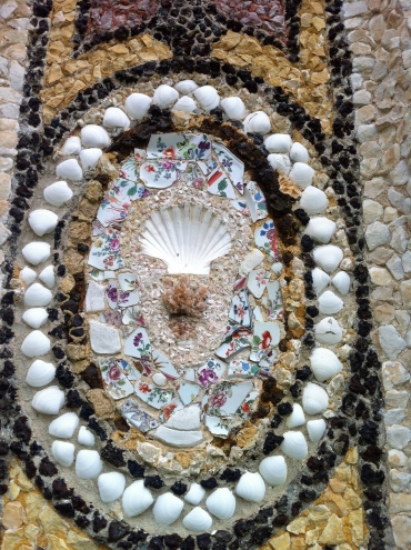 Seashell and broken teacup mosaics in the folly