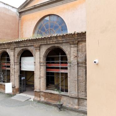 The Museo Storico Nazionale dell'Arte Sanitaria is through this portico